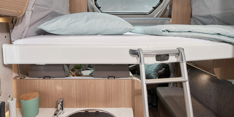 Carado Reisemobil Modell T448 - Bett mit Leiter