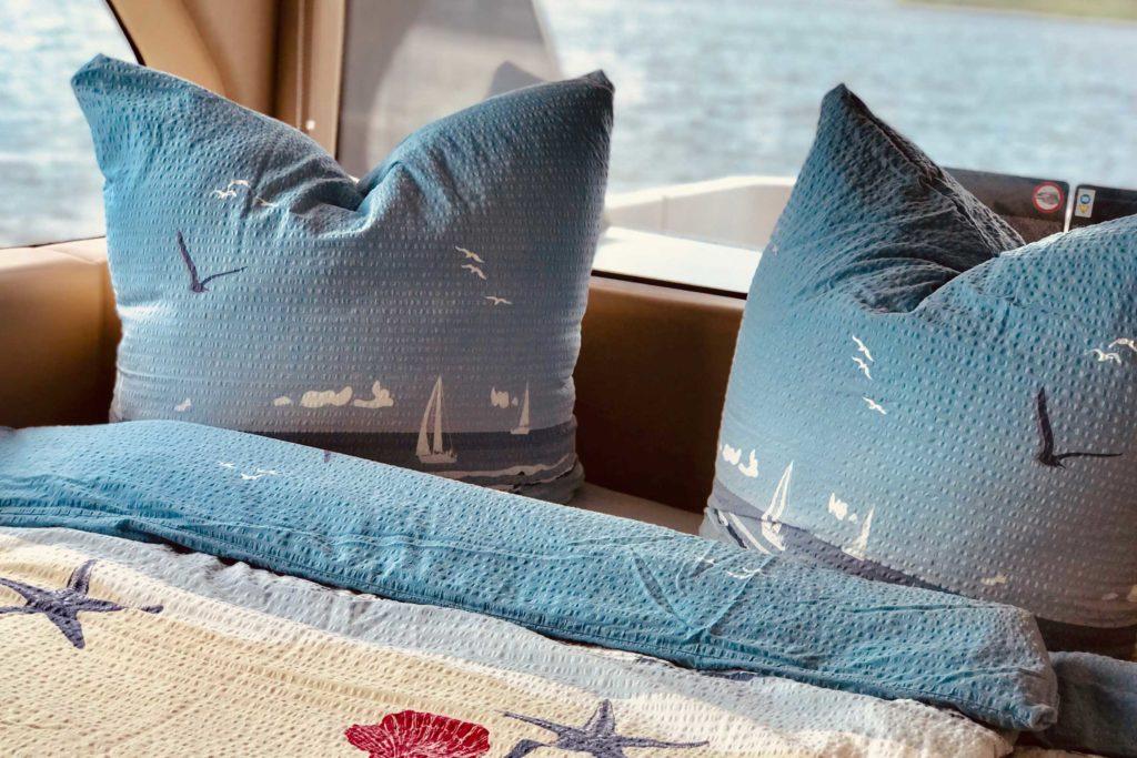 Hausboot Deutschland Bett mit Seeblick Parey